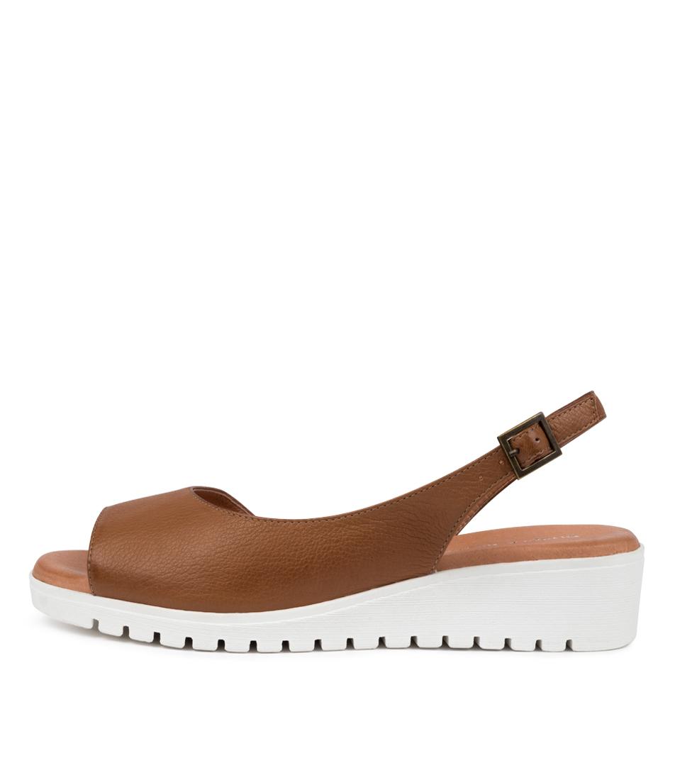 Buy Django & Juliette Mitzi Dj Dk Tan White So Flat Sandals online with free shipping