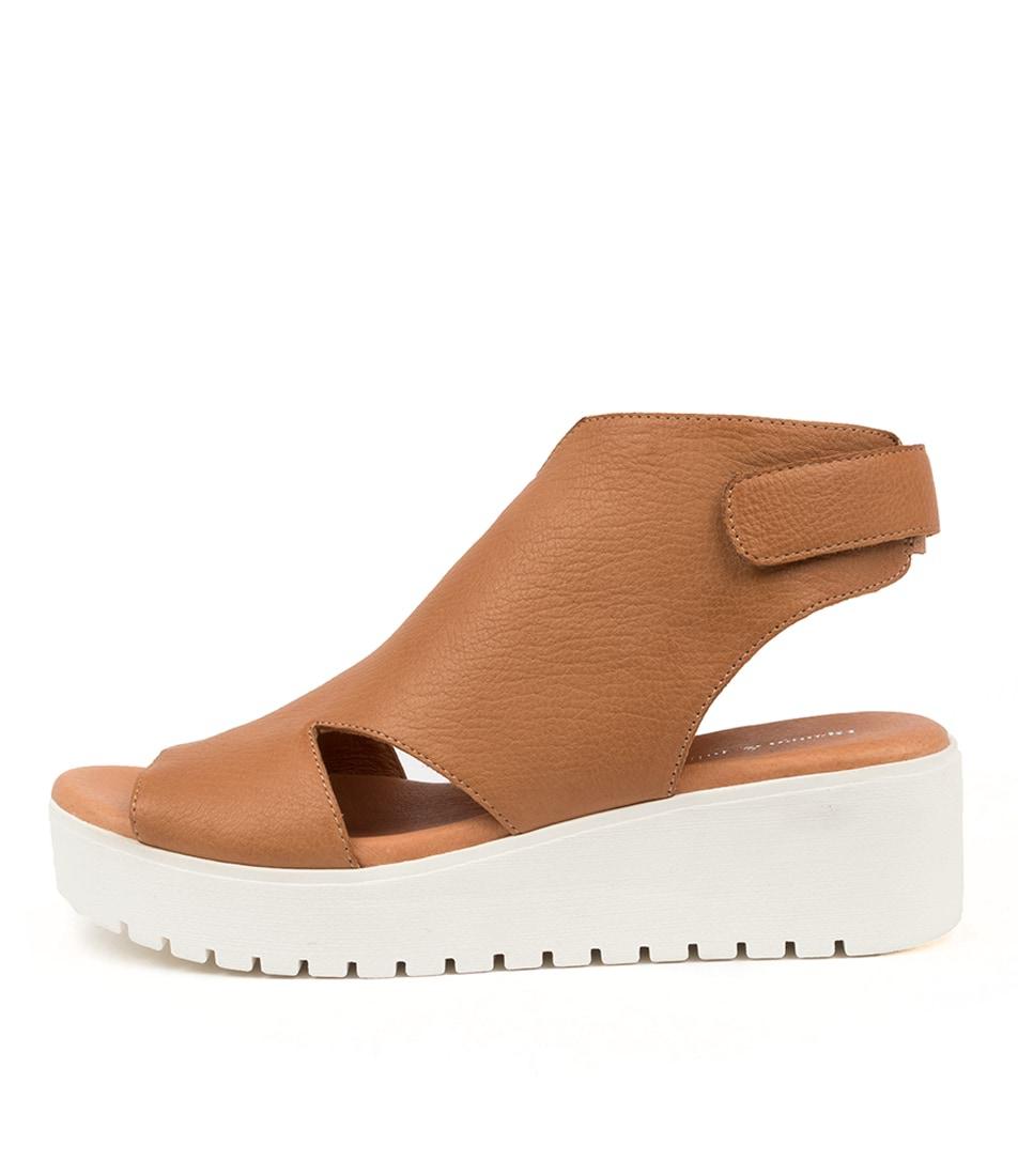 Buy Django & Juliette Ostin Dj Dk Tan White So Flat Sandals online with free shipping