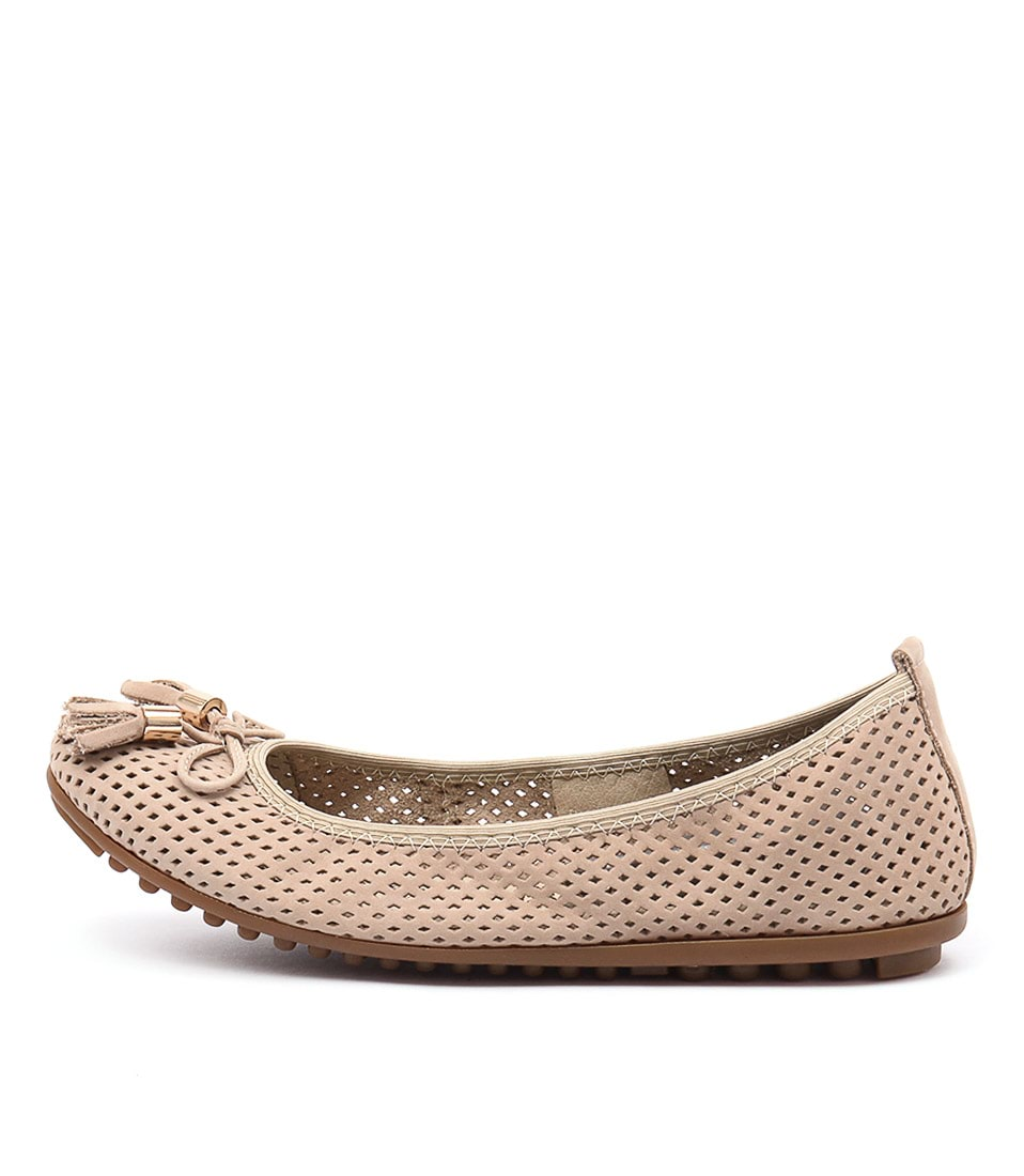 Django & Juliette Balance Beige Casual Flat Shoes