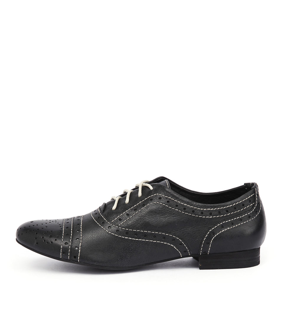 Django & Juliette Gadal Black Shoes