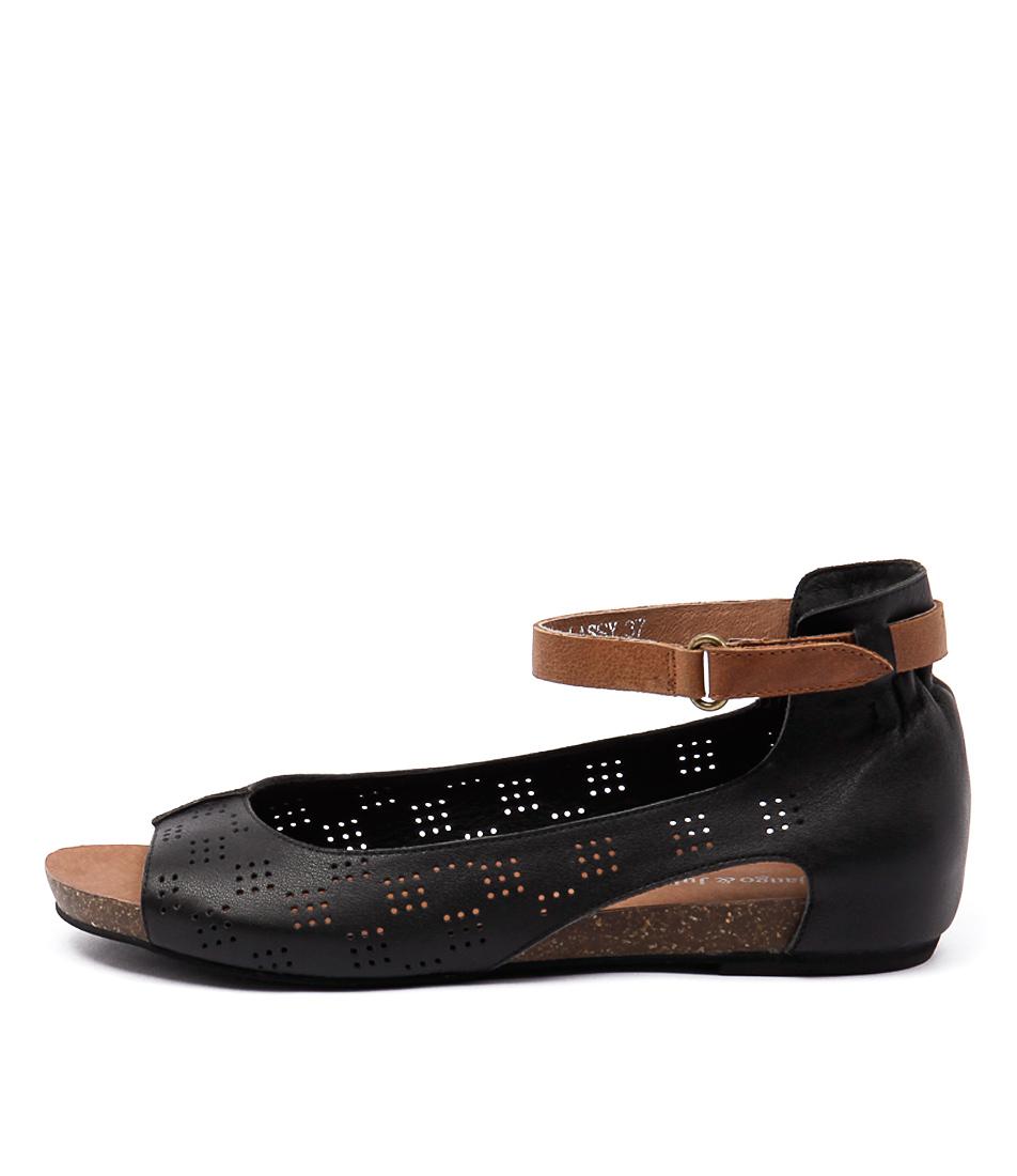 Django & Juliette Lassy Black Tan Sandals