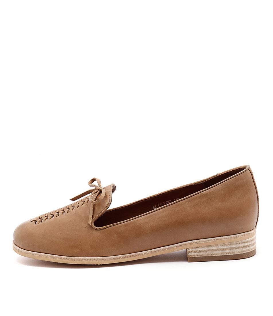 Django & Juliette Allstop Tan Flat Shoes