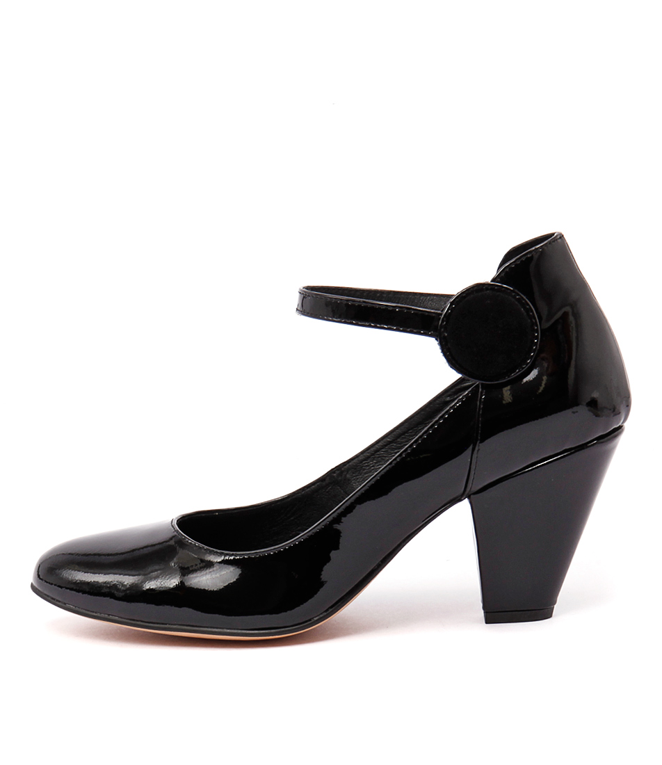 Django & Juliette Cusp Black Shoes