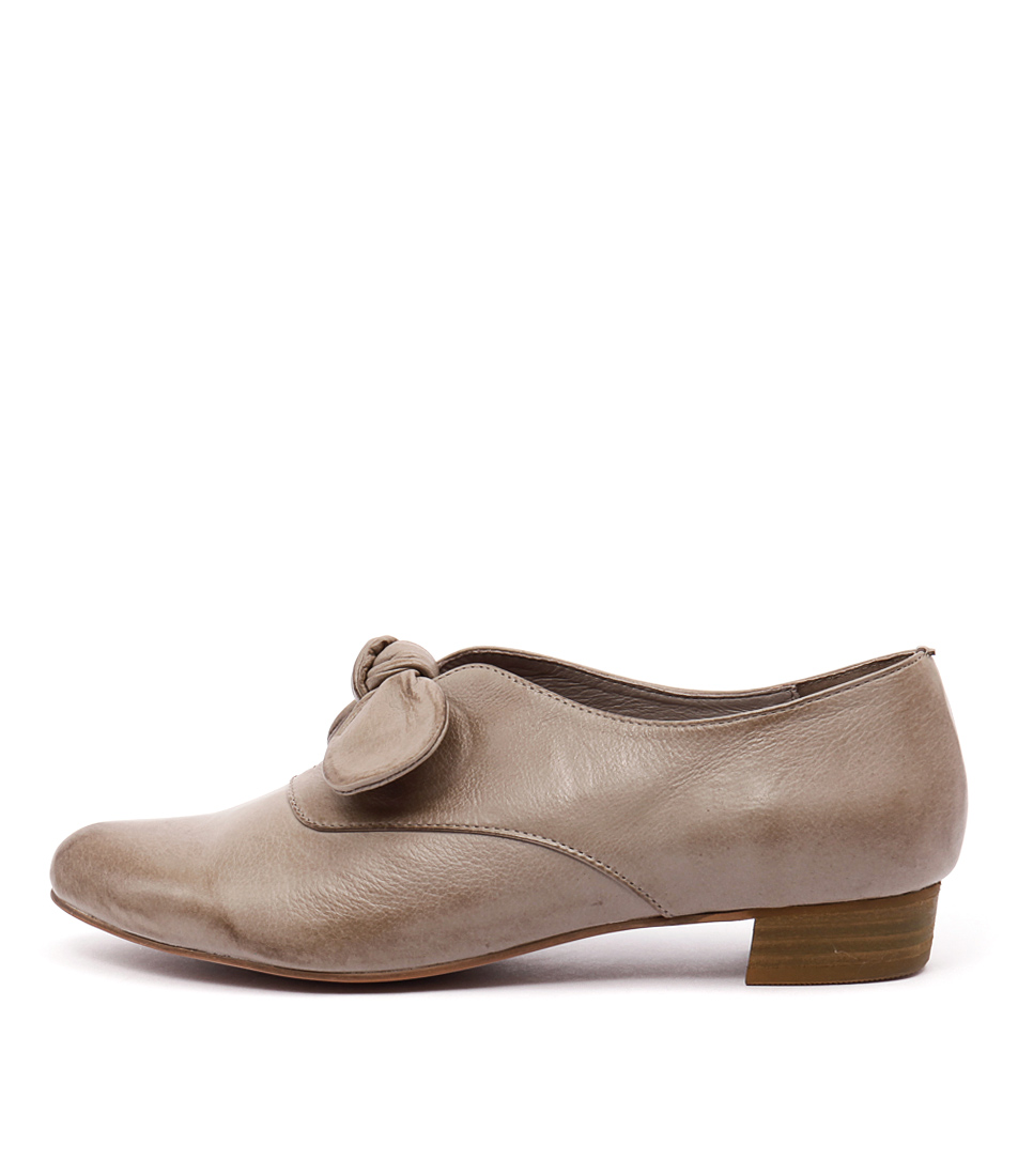 Django & Juliette Encore Taupe Shoes
