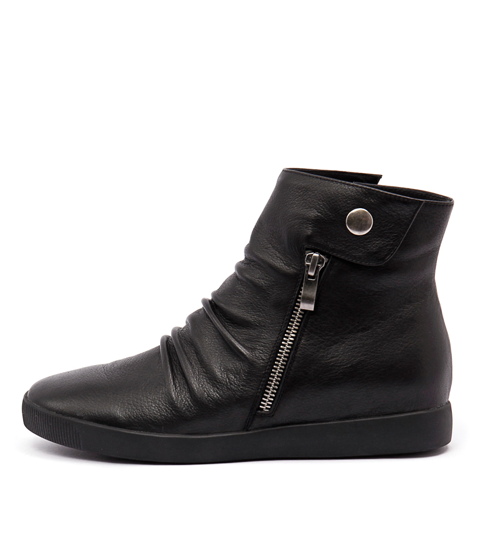 Django & Juliette Getreal Black Black Sole Casual Ankle Boots
