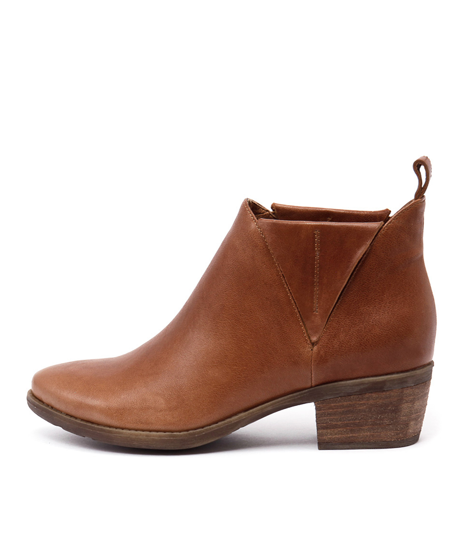 Django & Juliette Snite Tan Casual Ankle Boots