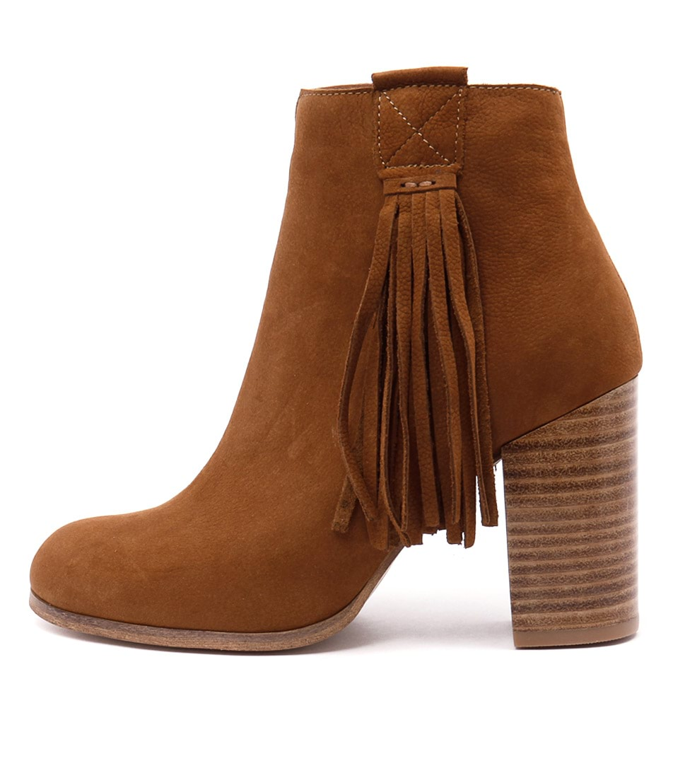 Django & Juliette Scuttle Tan Ankle Boots