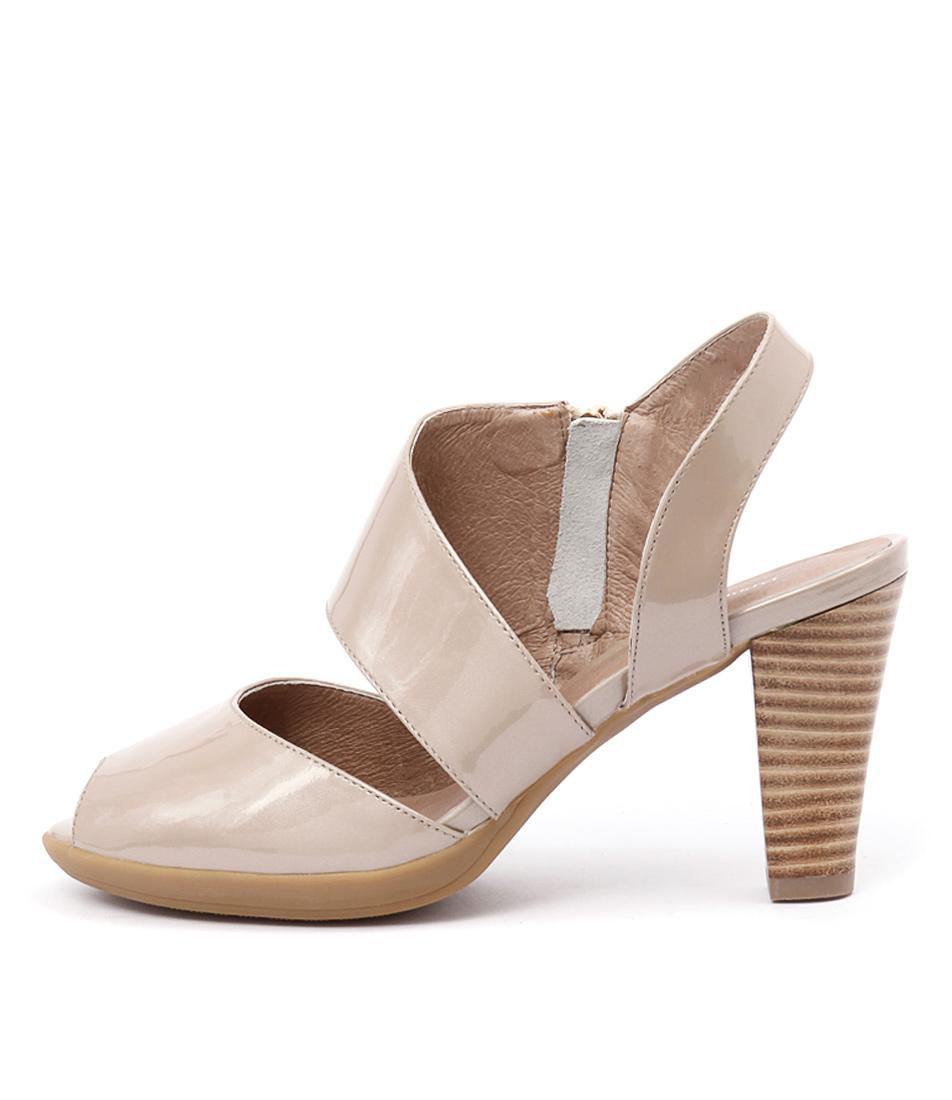 Django & Juliette Walsh Champagne Sandals