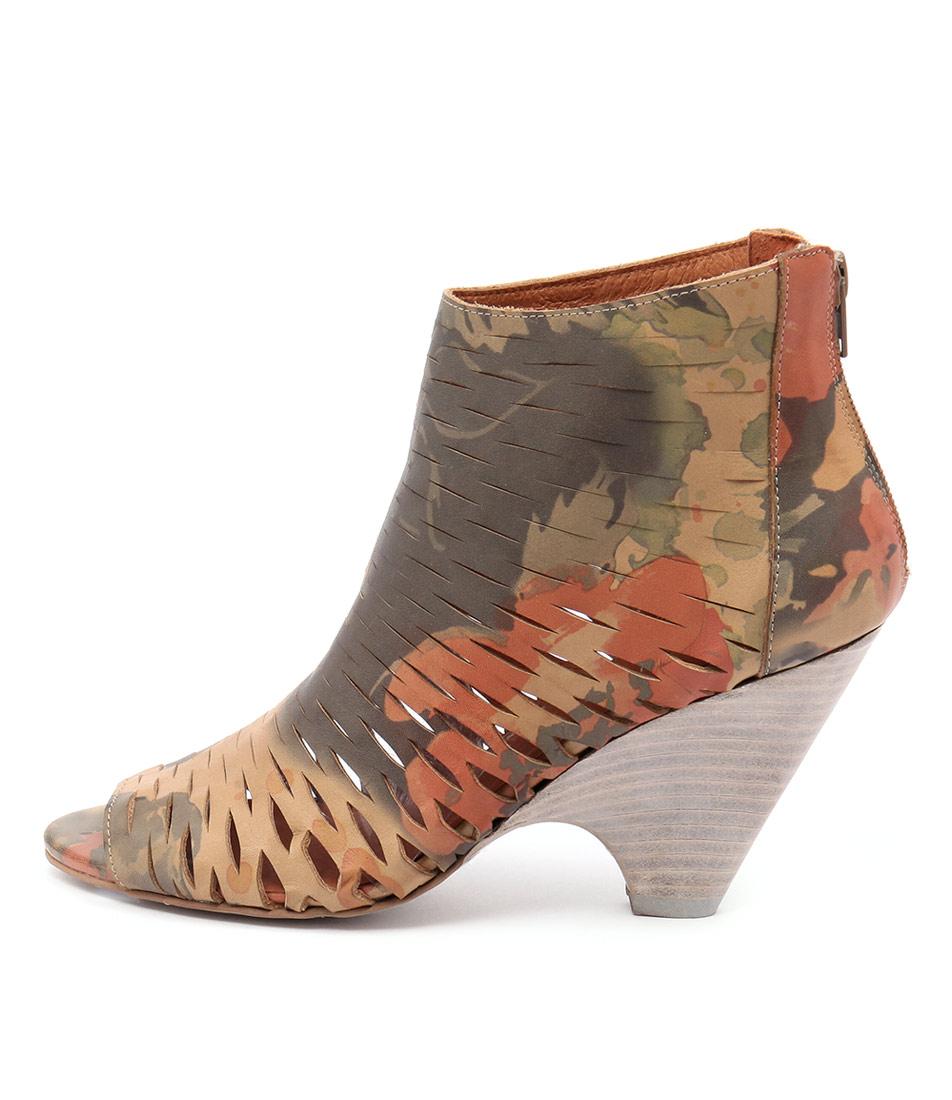 Django & Juliette Bacio Camel Multi Boots