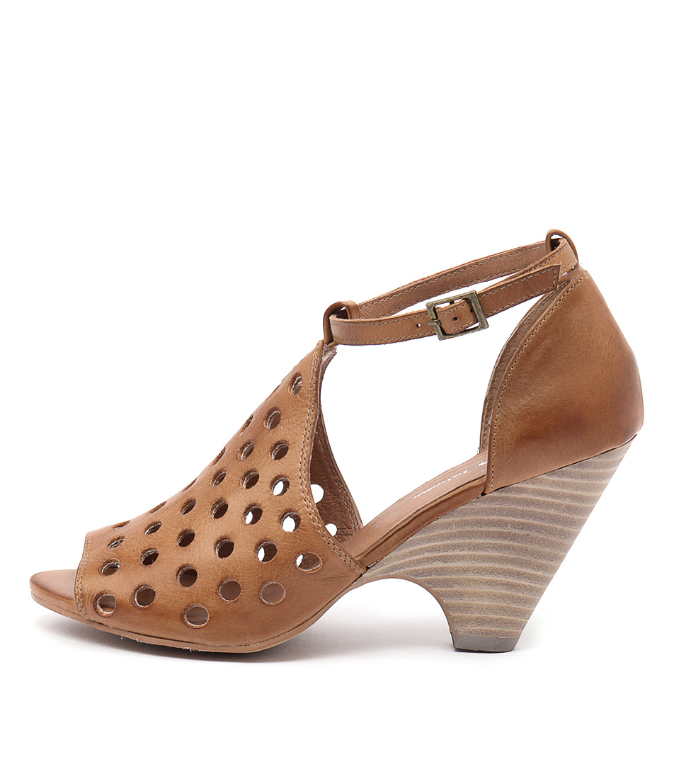 Django & Juliette Bellas Tan Heeled Sandals