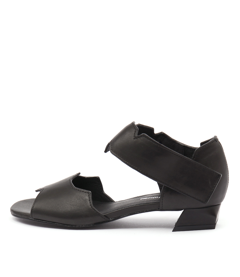 Django & Juliette Helamo Black Sandals