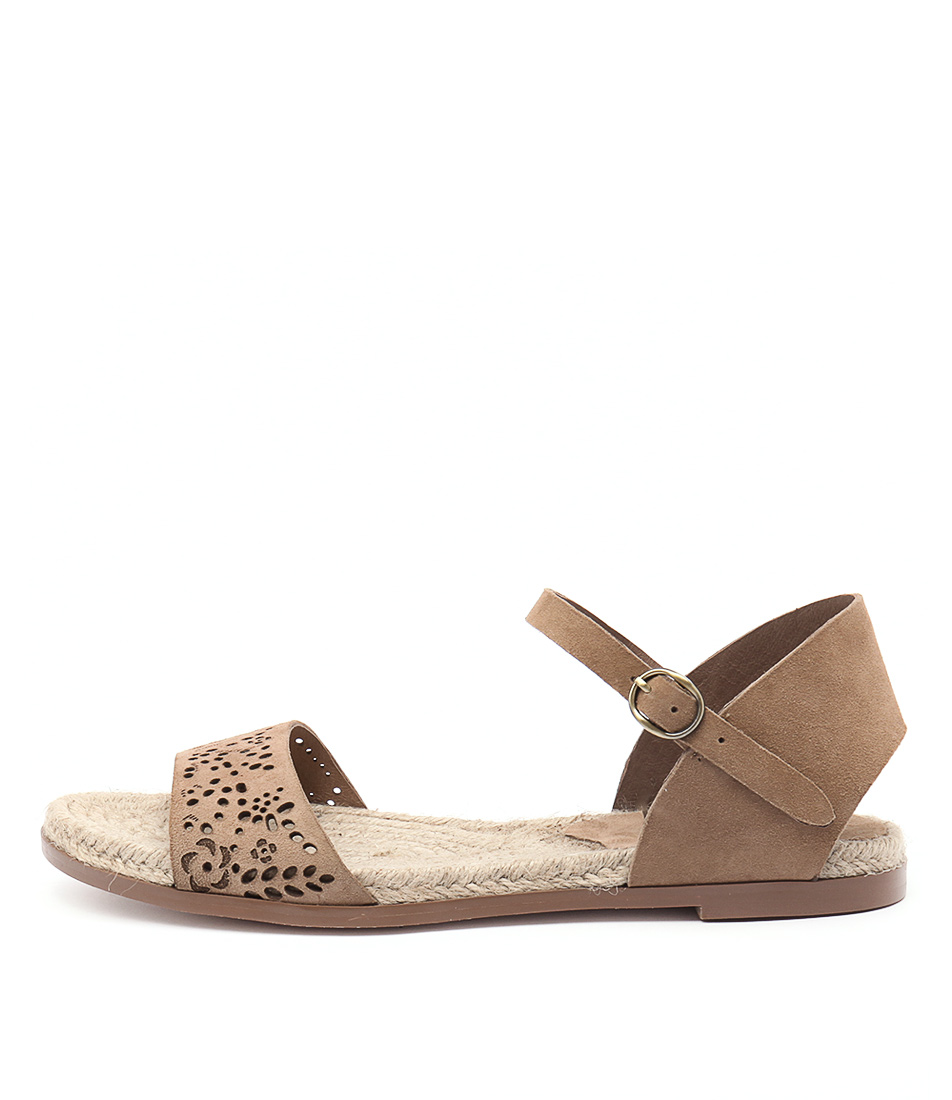 Django & Juliette Miles Latte Casual Flat Sandals