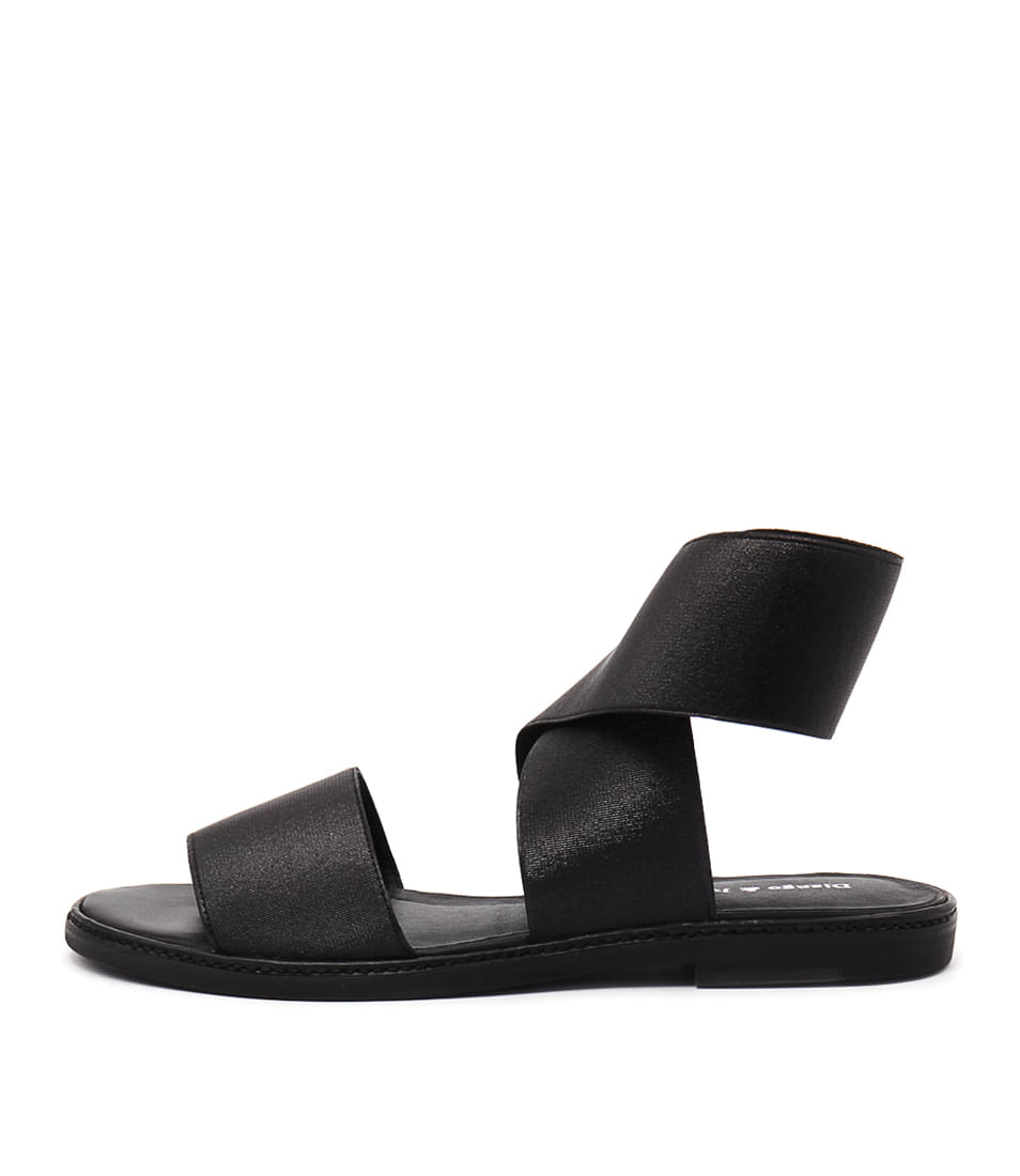 Django & Juliette Narina Black Casual Flat Sandals