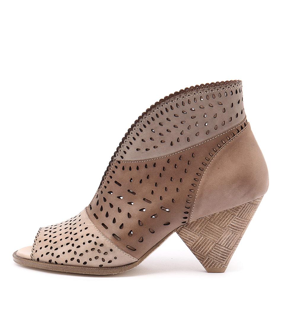 Django & Juliette Oshi Beige Multi Casual Ankle Boots