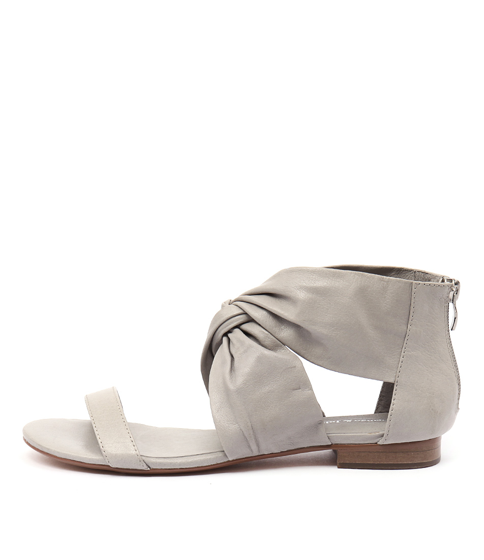 Django & Juliette Pakiny Misty Flat Sandals