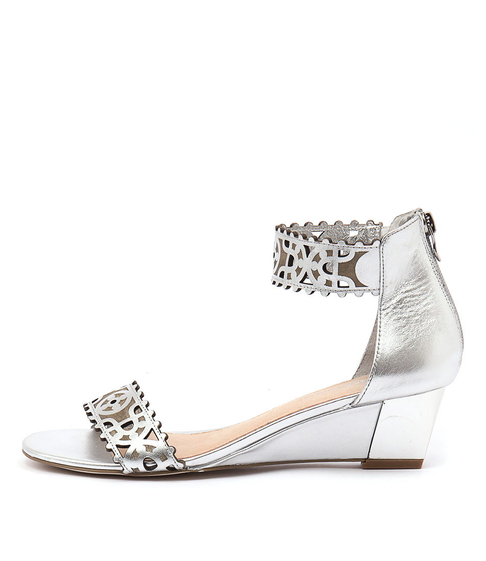 Django & Juliette Revoke Silver Sandals