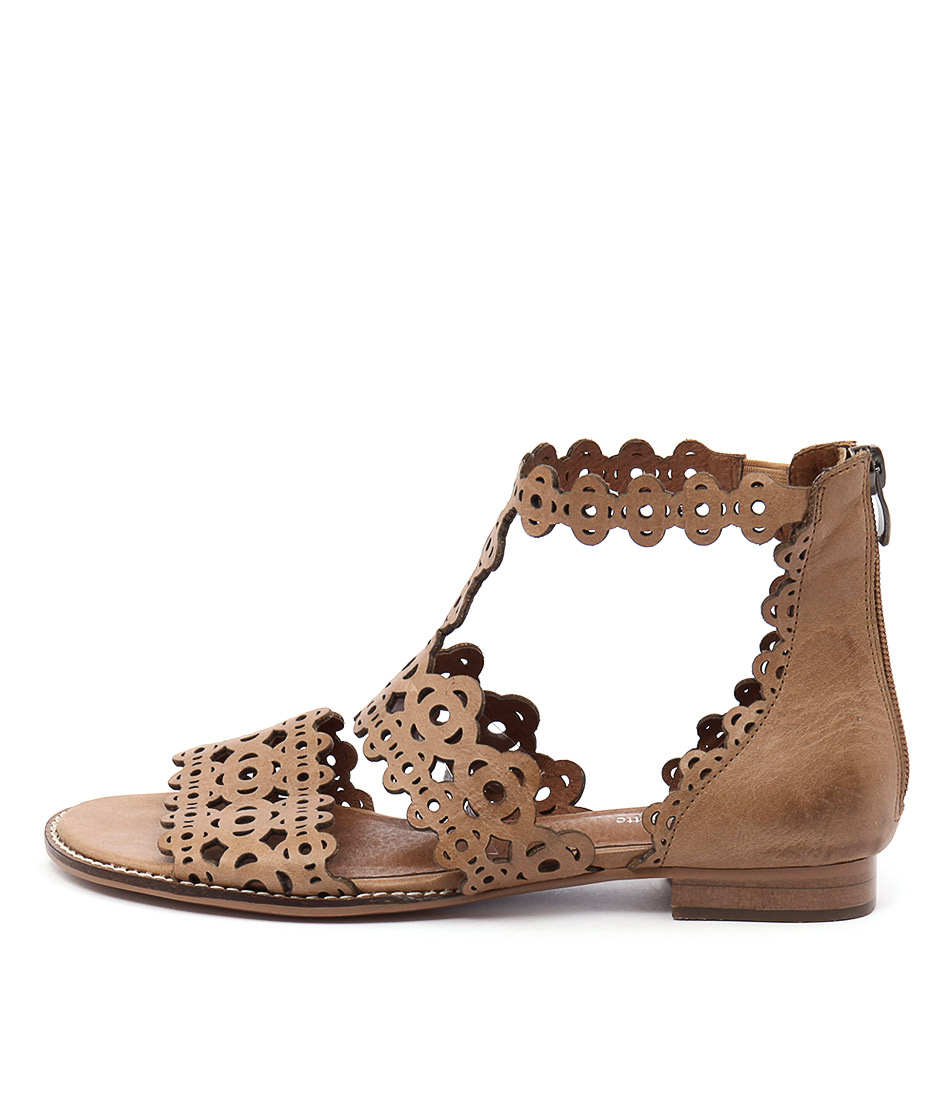 Django & Juliette Reama Tan Casual Flat Sandals