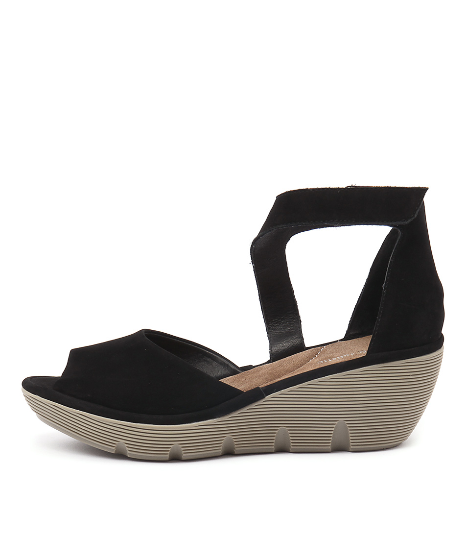 Django & Juliette Tina Black Sandals