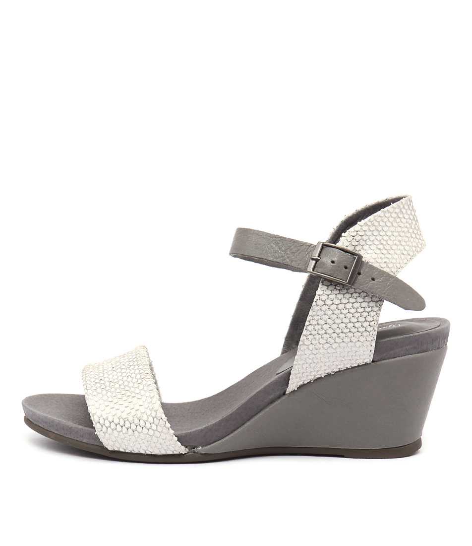 Django & Juliette Uday Washed Silver Grey Sandals