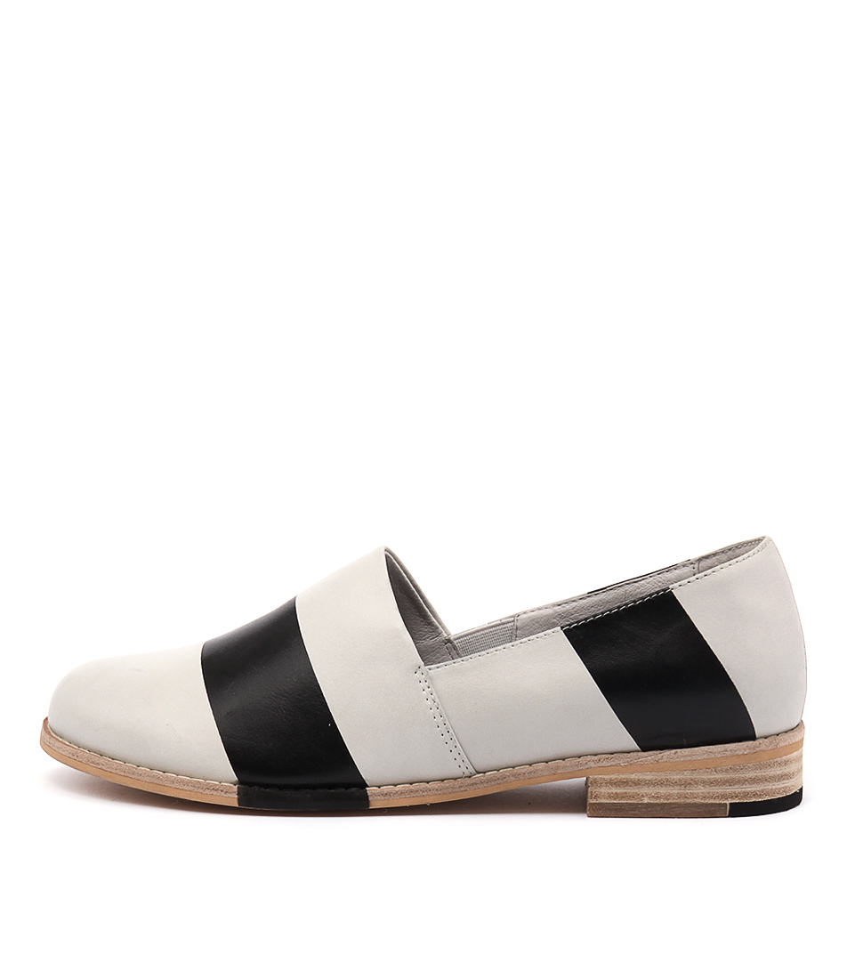 Django & Juliette Abyss Off White Black Flat Shoes