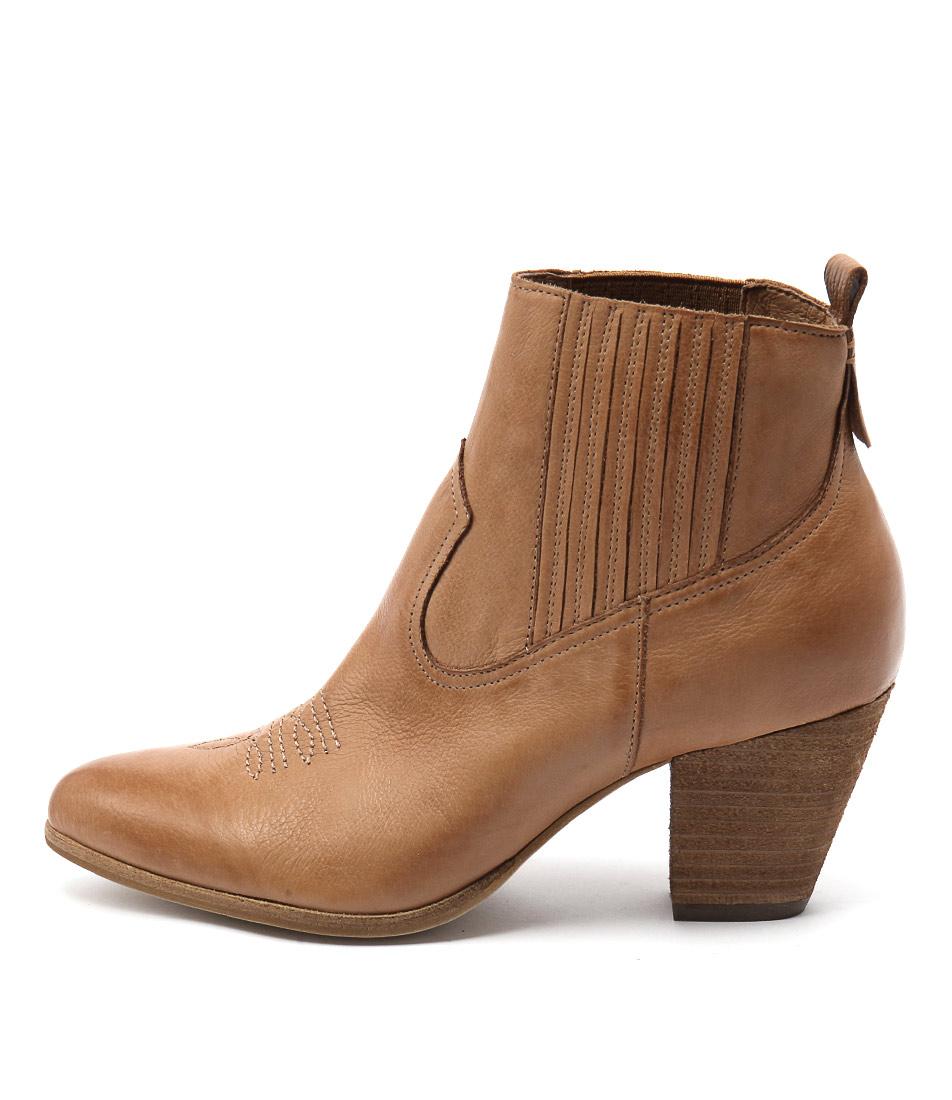 Django & Juliette Fanger Dk Tan Ankle Boots