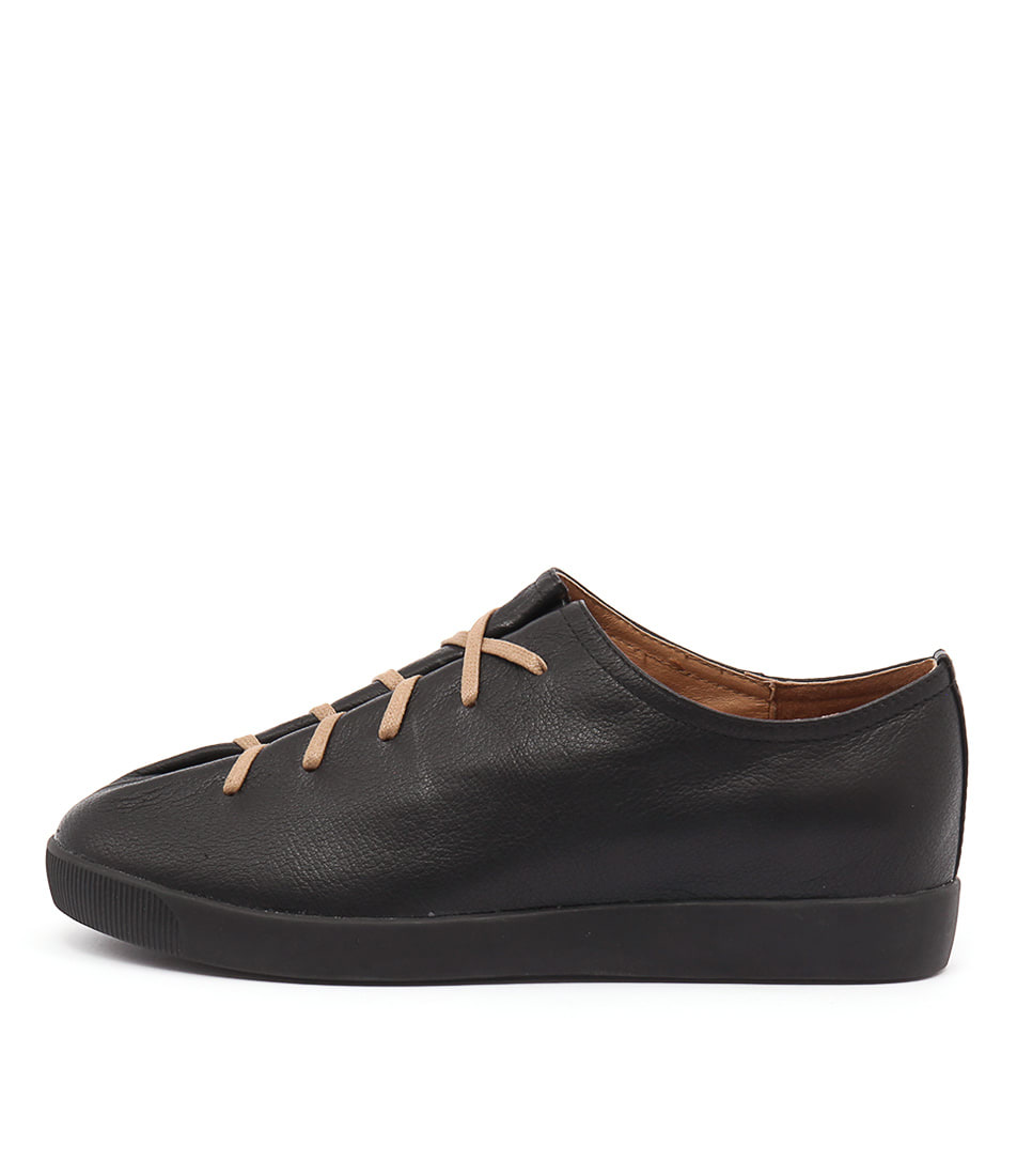 Django & Juliette Gangly Black Sneakers