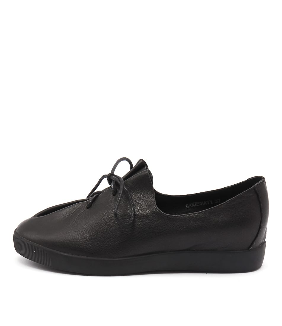 Django & Juliette Ganeshaty Black Flat Shoes