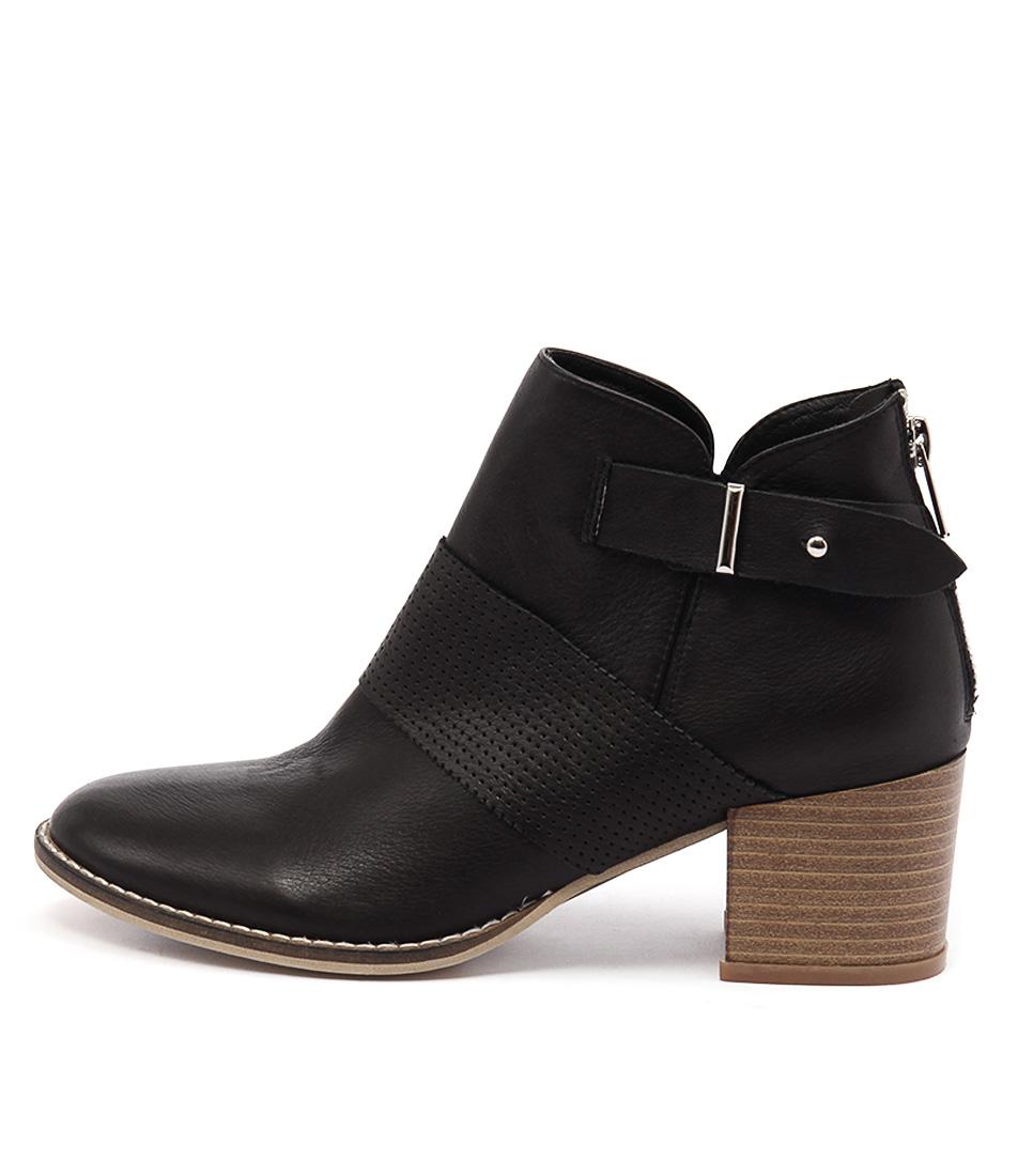 Django & Juliette Matter Black Ankle Boots