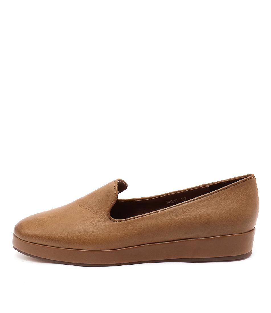 Django & Juliette Neeve Tan Shoes
