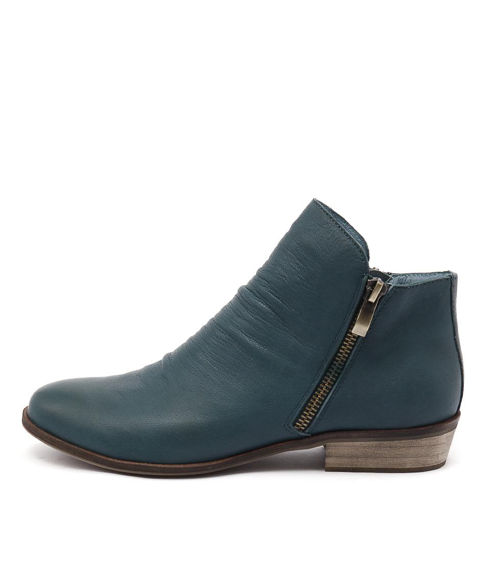 Django & Juliette Split Peacock Boots