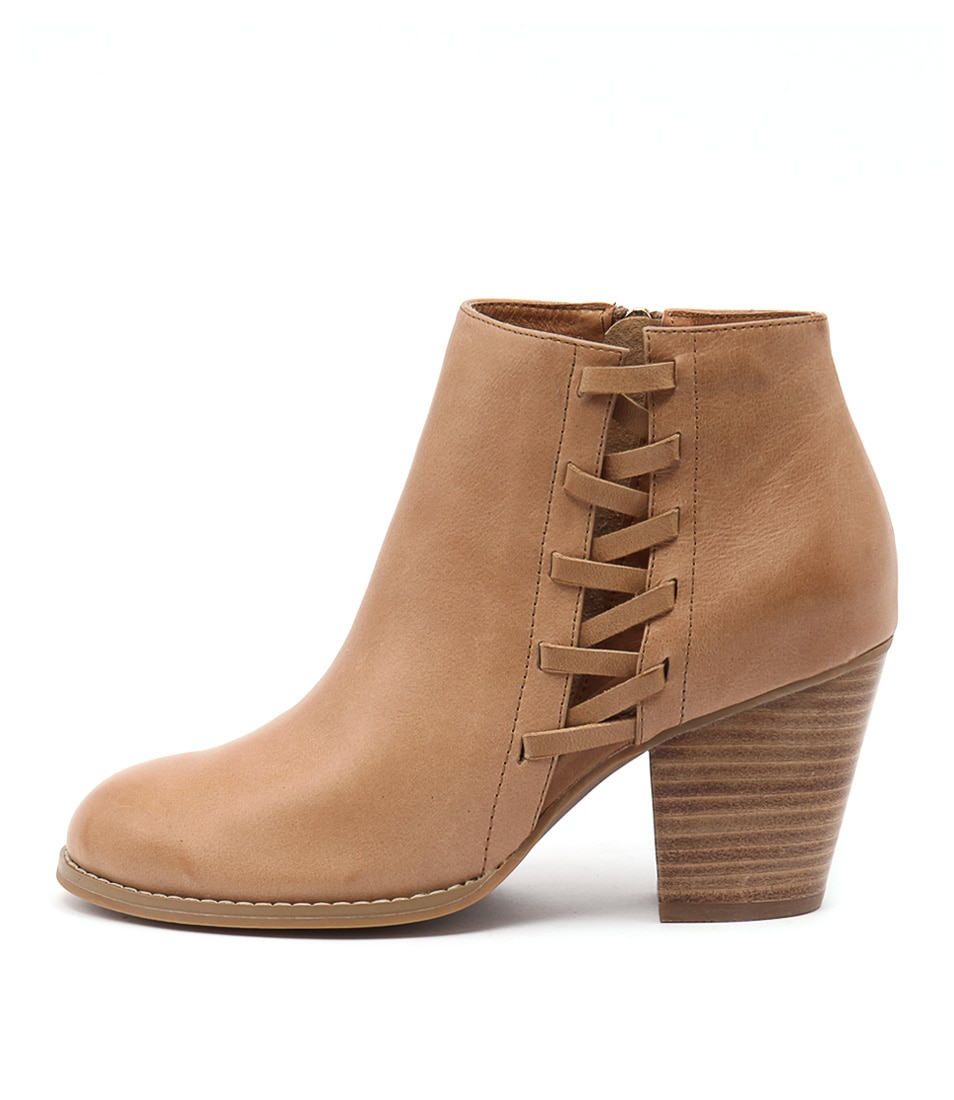 Django & Juliette Roscao Tan Casual Ankle Boots