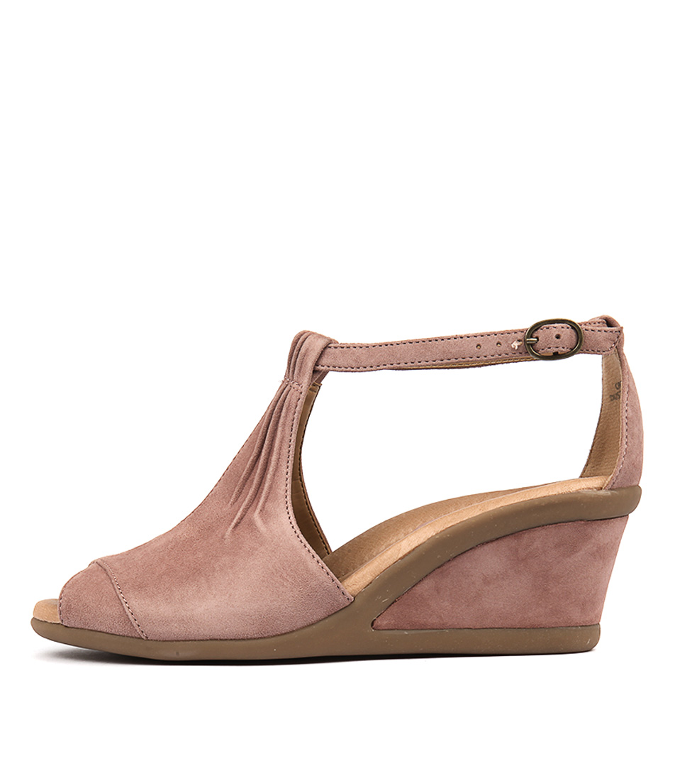 Earth Caper Dusty Rose Heeled Sandals