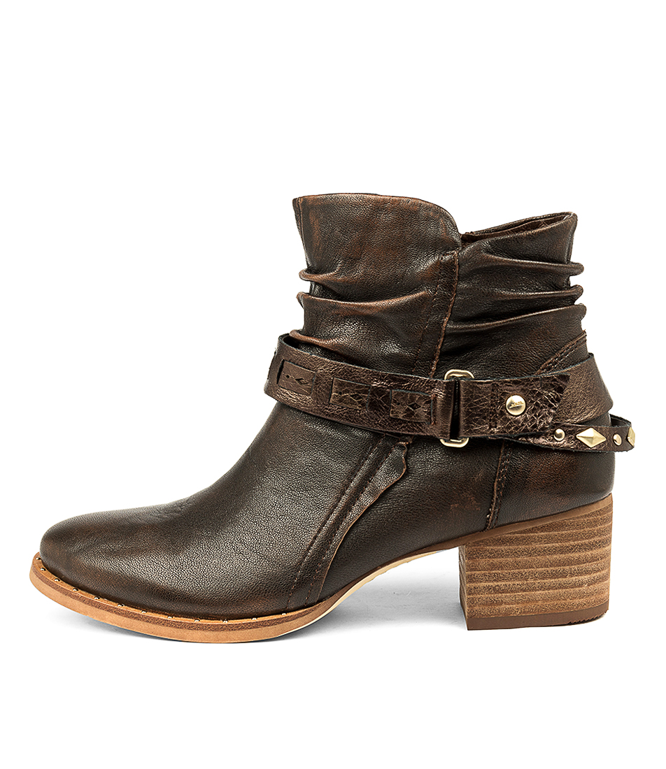 Buy Earth Desoto Almond Ankle Boots online with free shipping