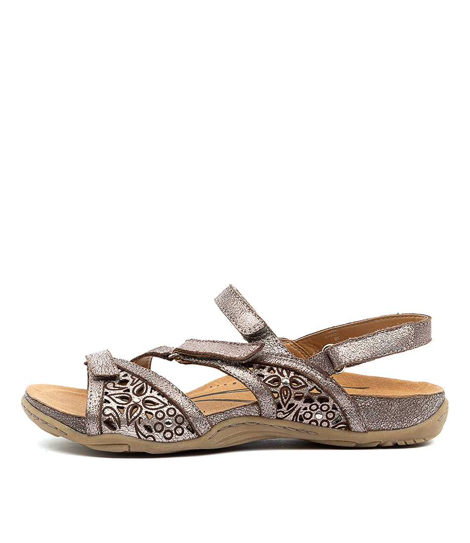 Buy Earth Maui2 Ea Copper Flat Sandals online with free shipping