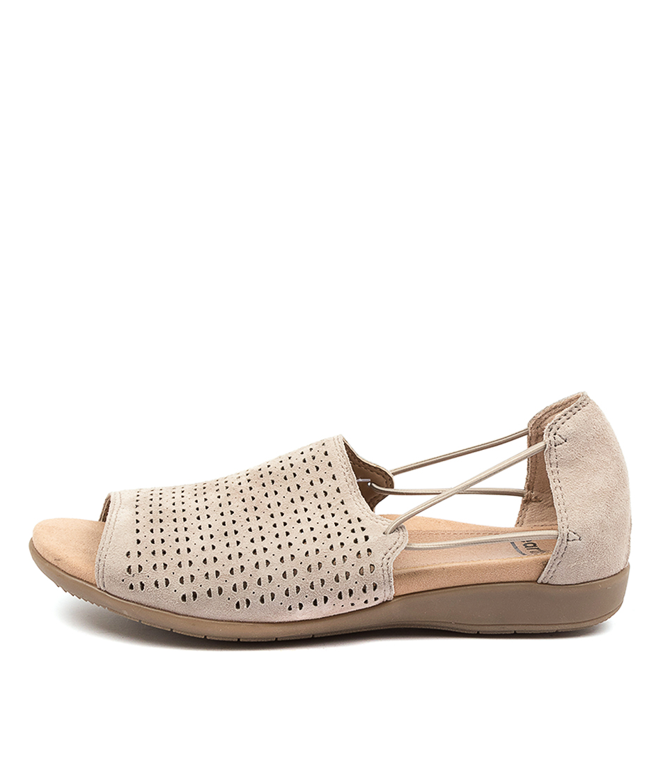 Buy Earth Abra Ea Ginger Flats online with free shipping