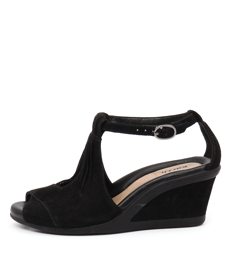 Earth Caper Black Heeled Sandals