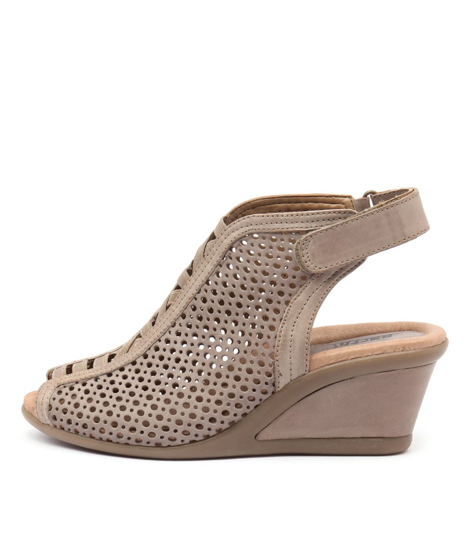 Earth Calla Ea Taupe Sandals