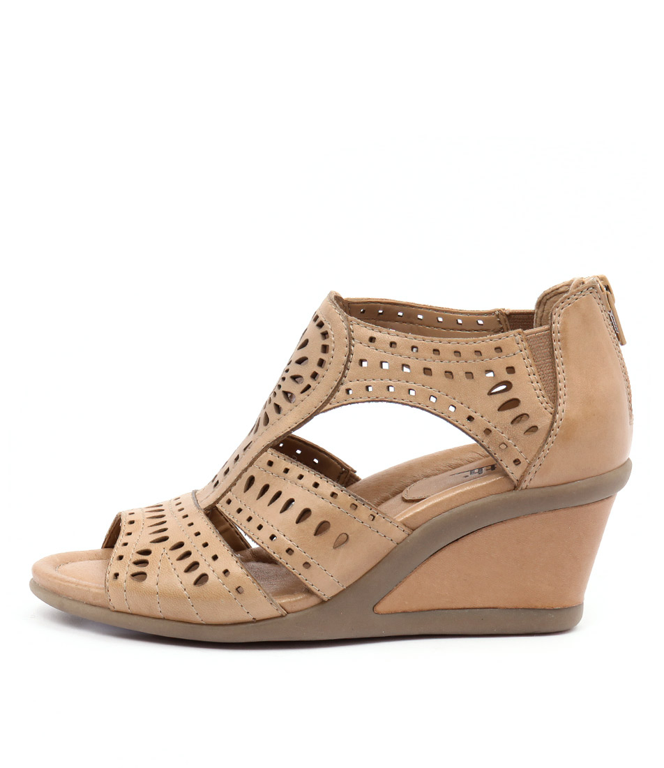 Earth Crown Ea Sand Heeled Sandals