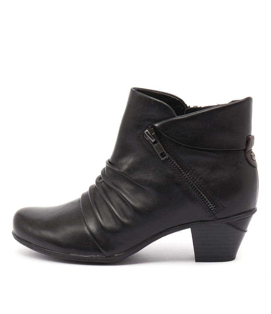 Earth Pegasus Black Boots