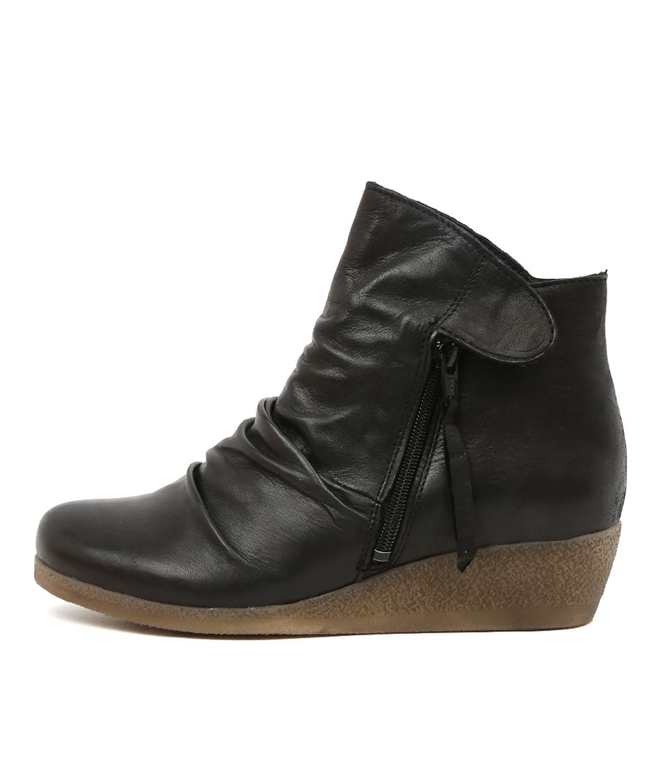 Buy Effegie Ensoni W Black Ankle Boots online with free shipping
