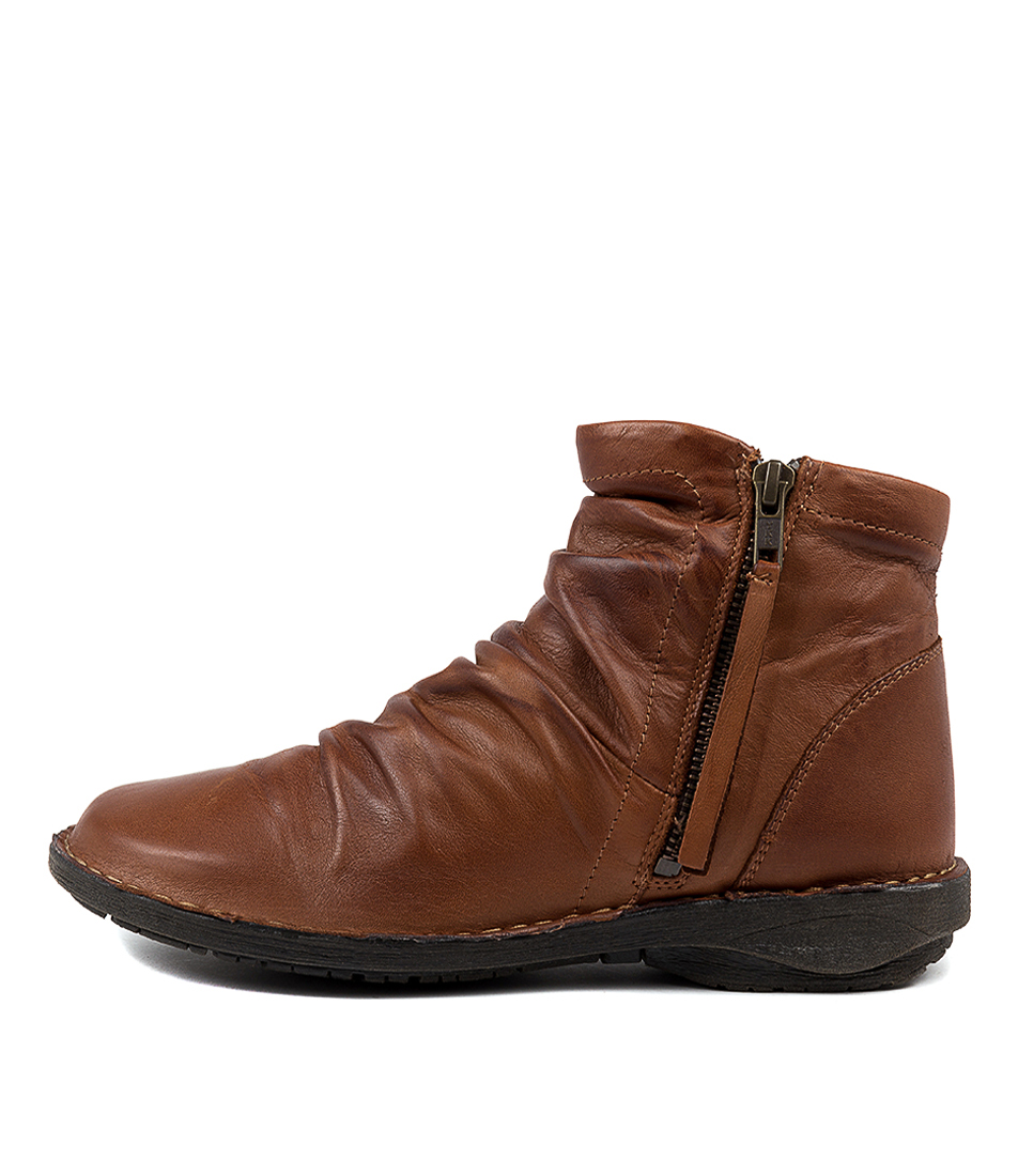 Buy Effegie Sukail W Brandy Ankle Boots online with free shipping