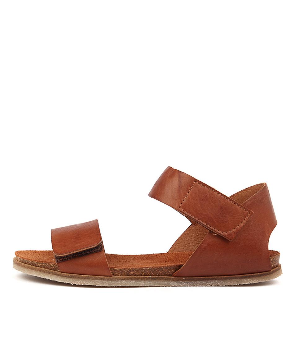 Effegie Zali W Brandy Flat Sandals