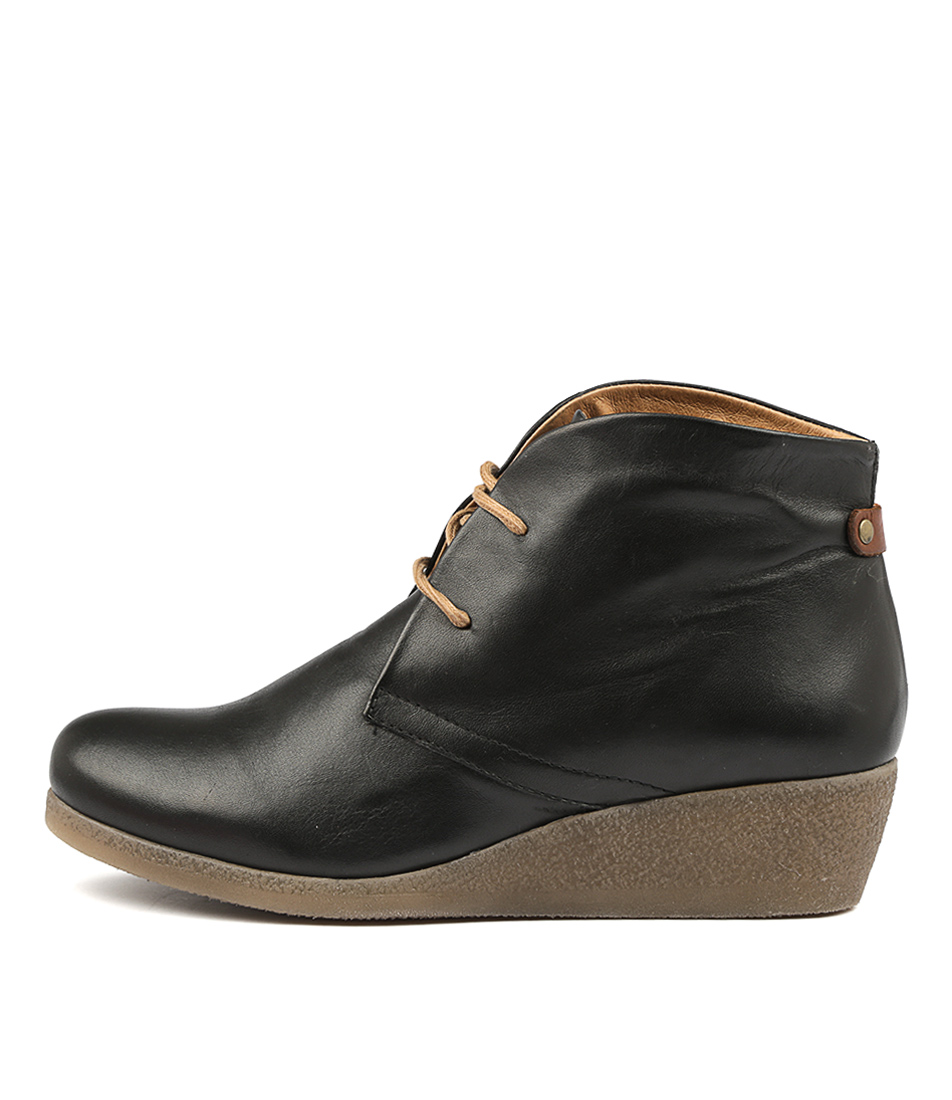 Buy Effegie Ensai W Black Ankle Boots online with free shipping