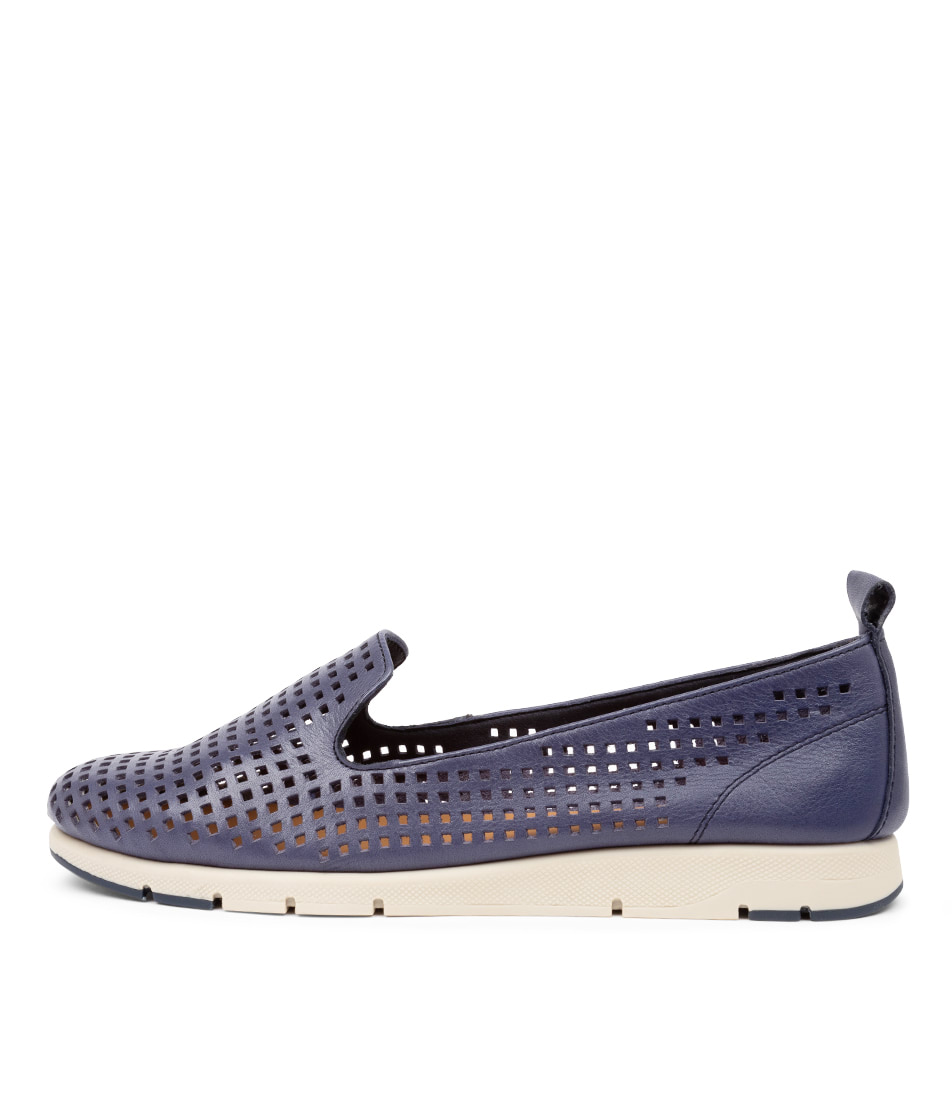 Buy Effegie Ariaperf W Ef Navy Flats online with free shipping