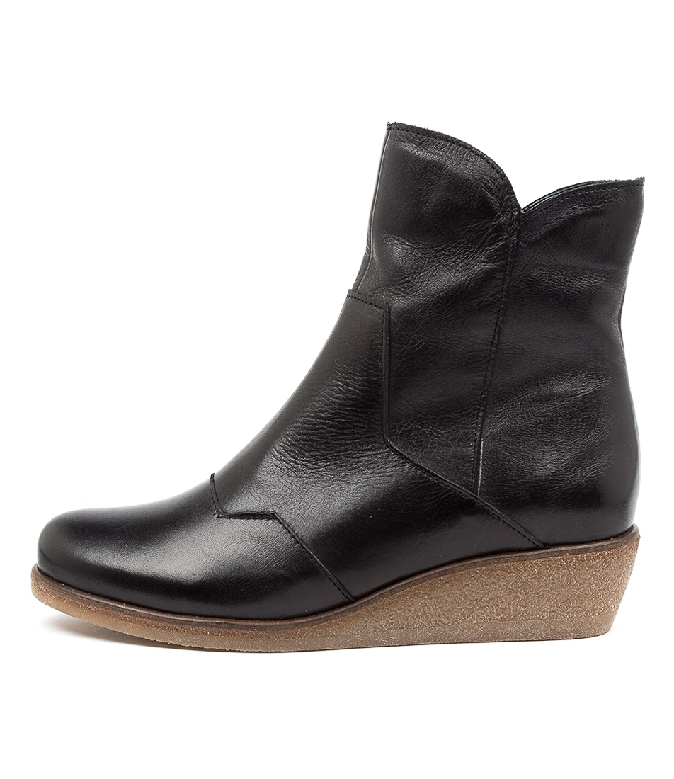 Buy Effegie Endeed Ef Black Ankle Boots online with free shipping