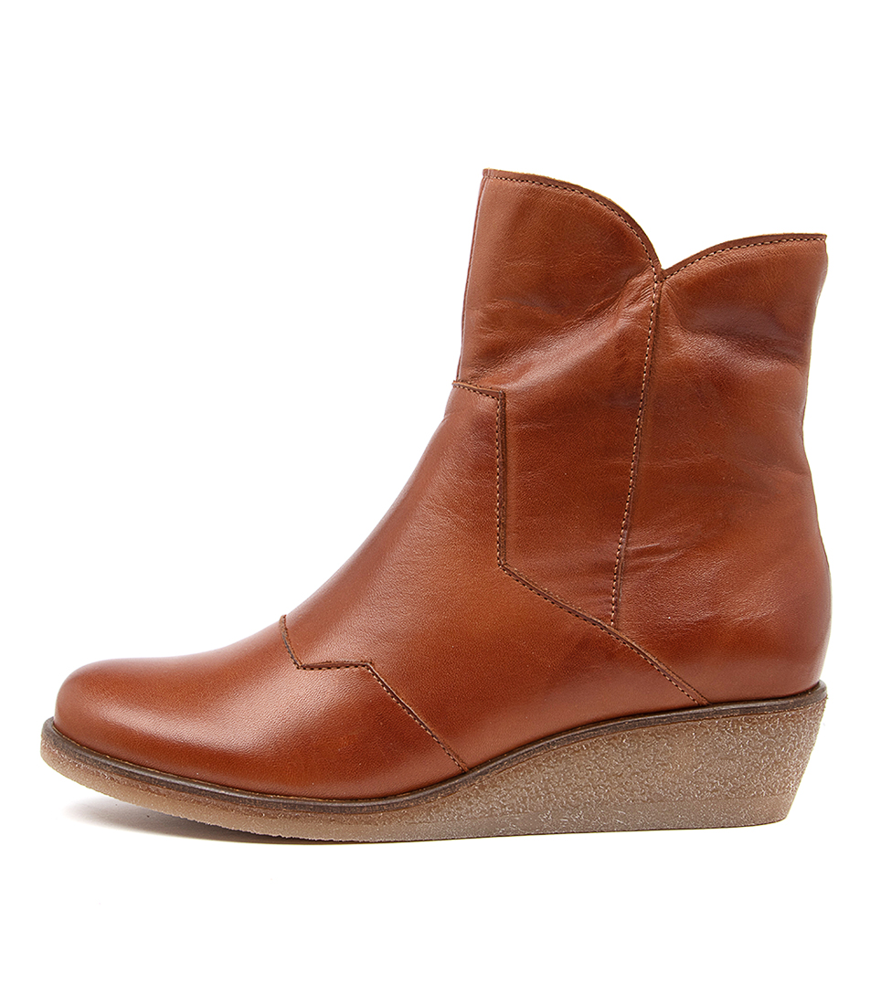 Buy Effegie Endeed Ef Brandy Ankle Boots online with free shipping