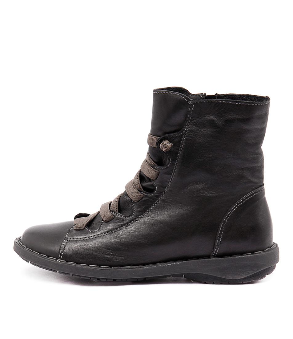 Effegie Subai Black Ankle Boots