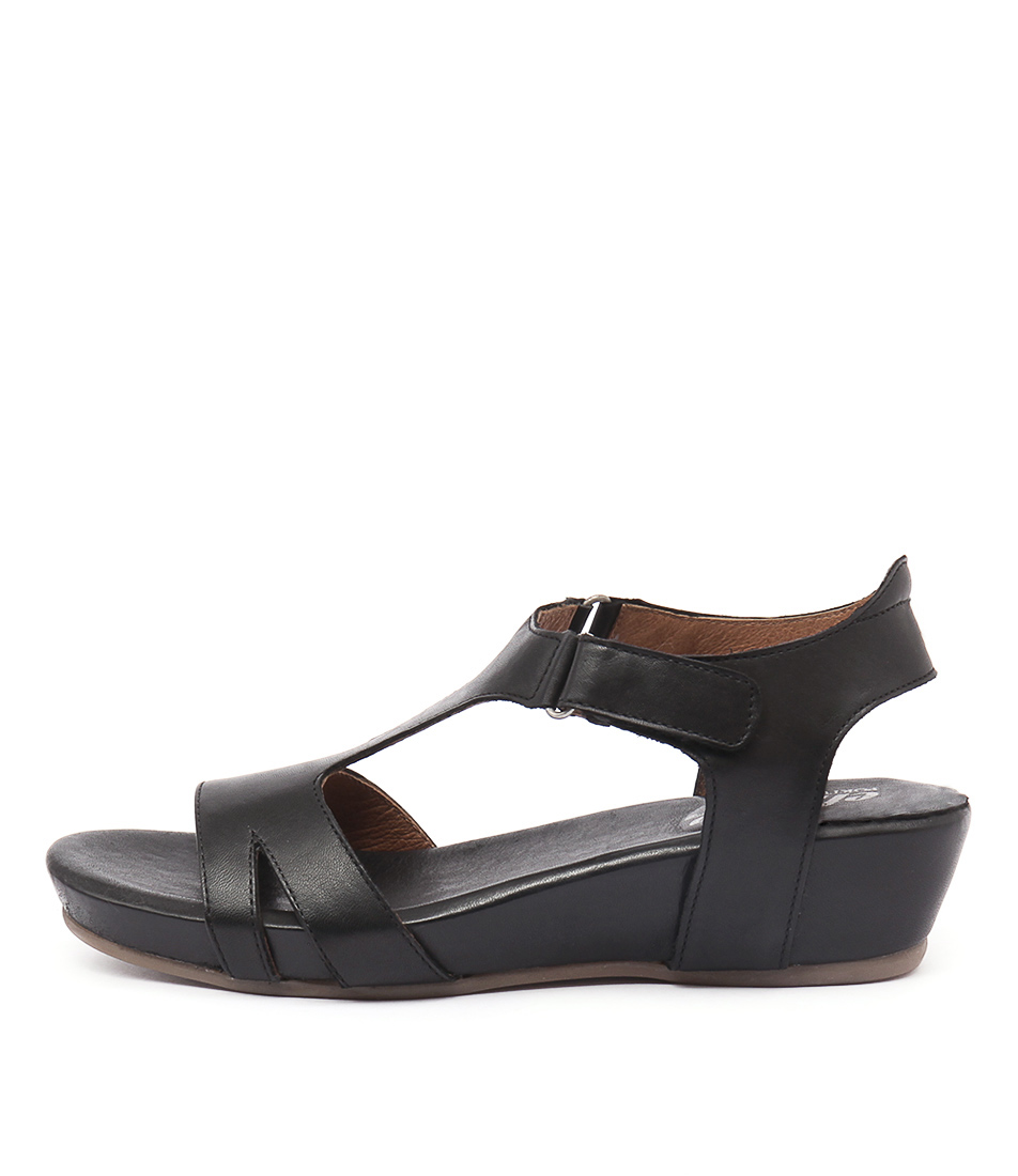 Effegie Renoria Black Sandals