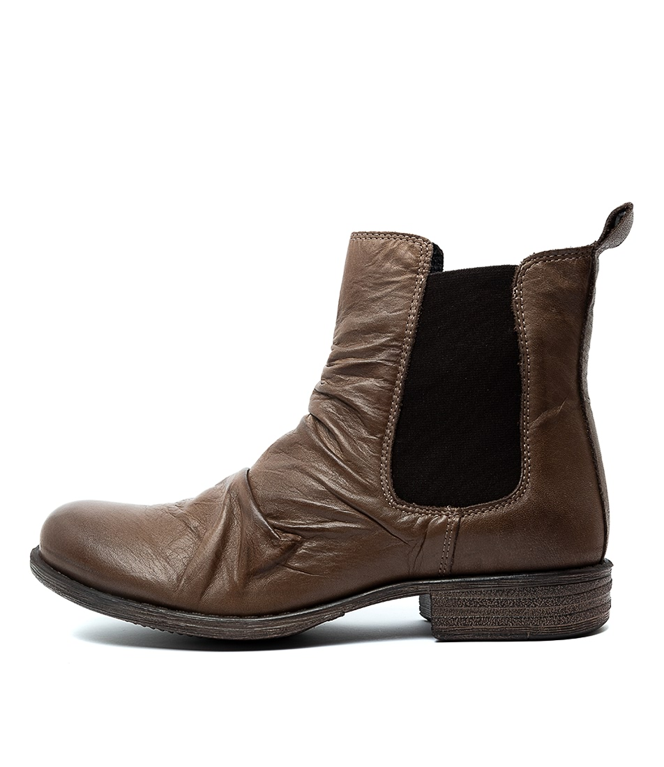 Buy Eos Willo W Kangaroo Ankle Boots online with free shipping