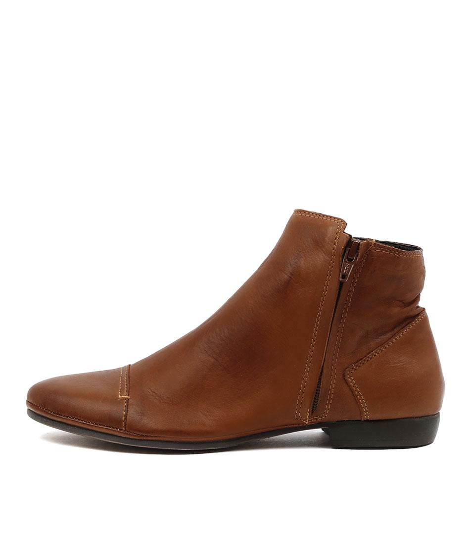 Eos Noni W Brandy Ankle Boots